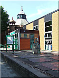 SK5319 : Loughborough Library by Thomas Nugent