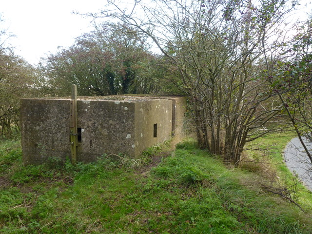 Pillbox on an old sea bank at Wyberton Marsh ; photo 1 of 3