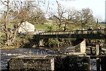 SE0063 : Linton:  Tin Bridge and barn by Dr Neil Clifton