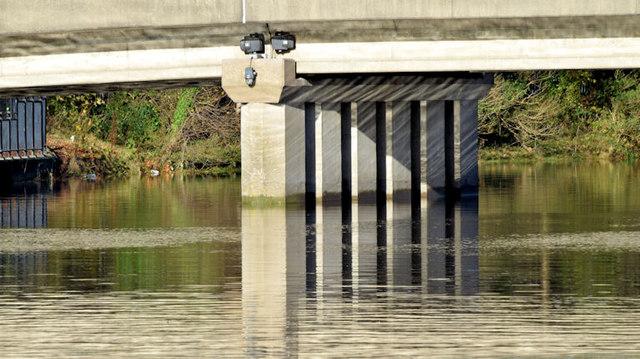 The River Lagan, Governor's Bridge, Belfast - November 2014(1)