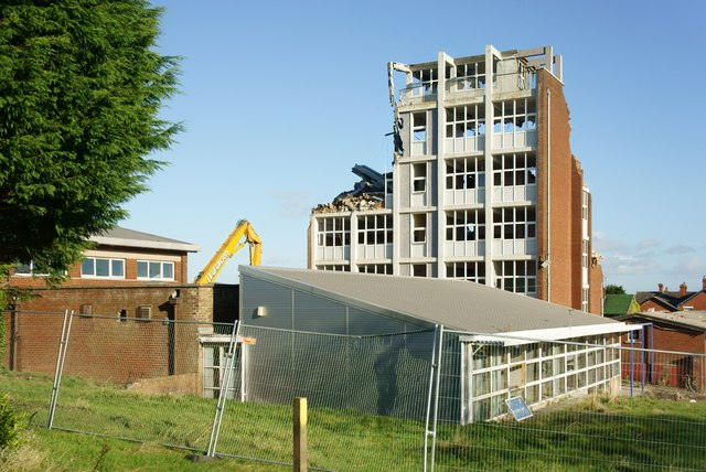 Thorncliffe School in the process of being demolished