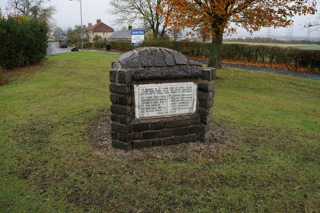 War Memorial at  South Alloa