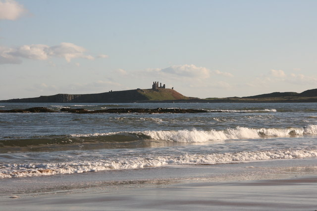 Breaking waves in Embleton Bay