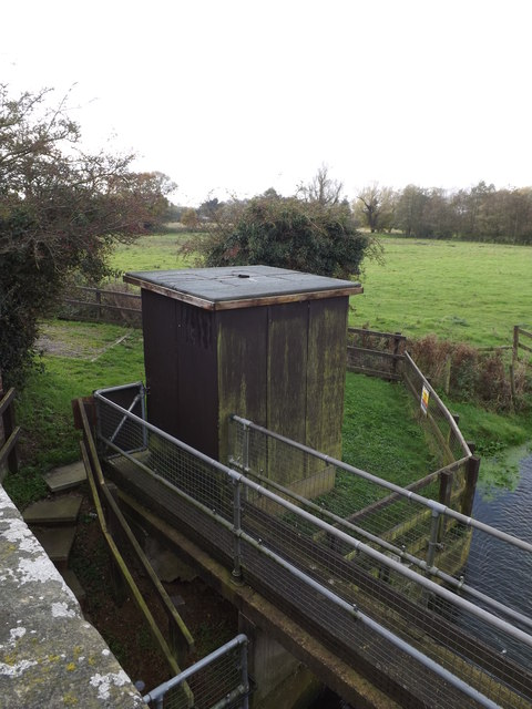 Billingford Gauging Station at Billingford Bridge