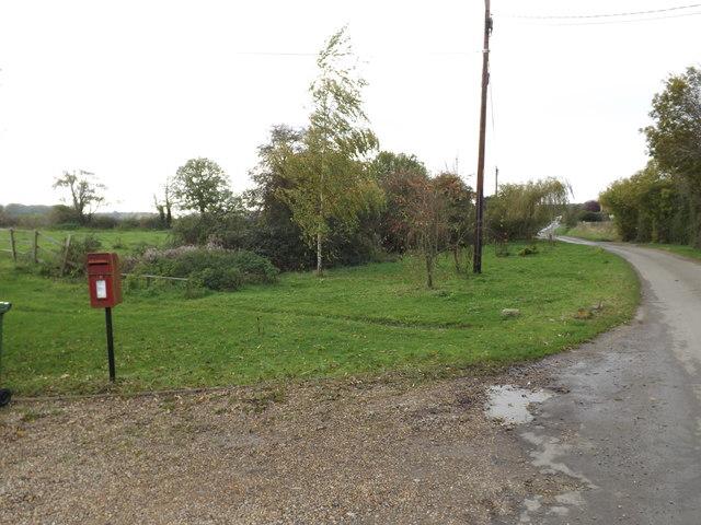 Common Road & Common Road Postbox