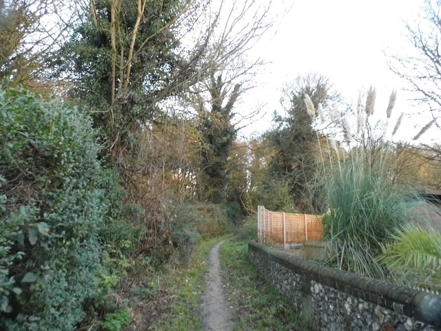 Path from Burydell Lane to Hedges Farm