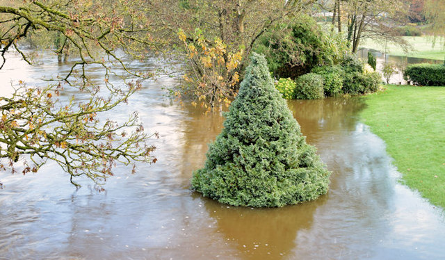The River Lagan in flood, Drumbeg, Dunmurry - November 2014(3)