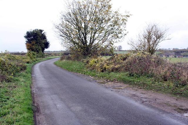 Minor road north towards Spratts Farm