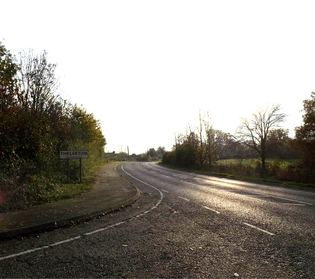 Entering Thelveton on Norwich Road