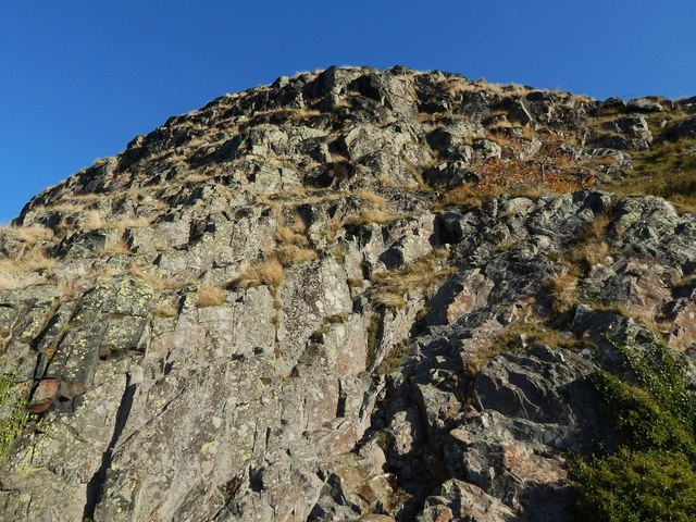 Dumbarton Rock: steep slopes of White Tower Crag