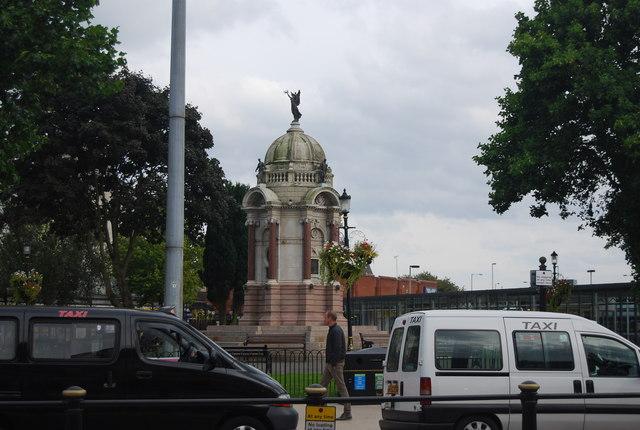 Kay Monument, Kay Gardens