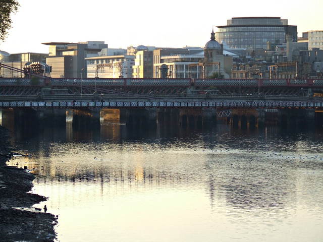 Dusk at the Clyde in Glasgow