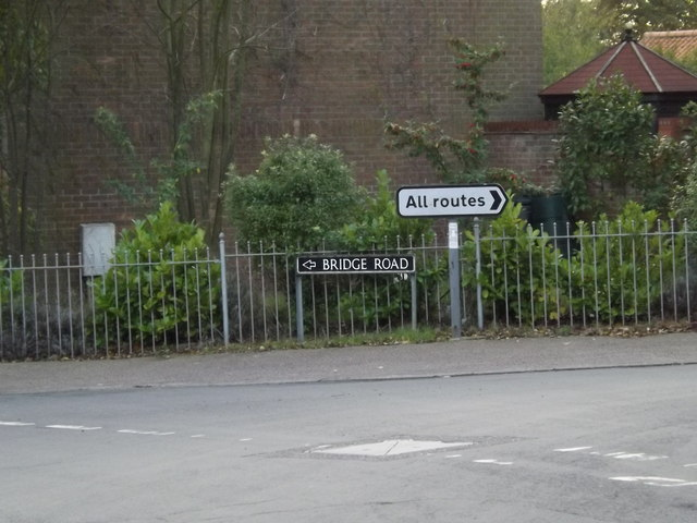 Bridge Road sign by Geographer
