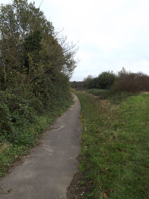 Footpath to the A143 Bungay Road