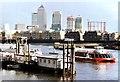 TQ3680 : Towards Canary Wharf by Des Blenkinsopp