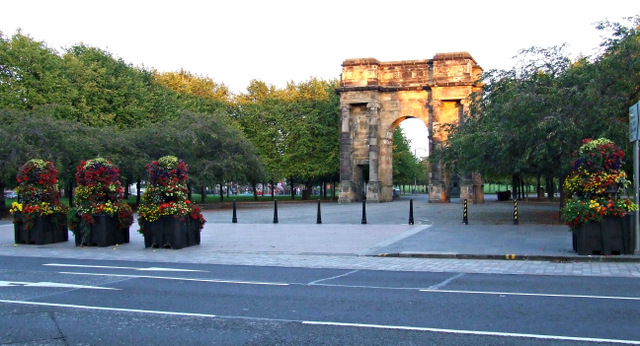 Glasgow Green, McLennan Arch
