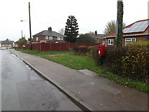 TM1579 : Ransom Avenue & Ransomes Avenue Postbox by Adrian Cable