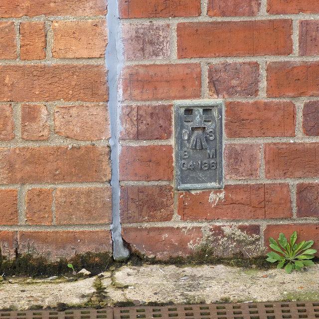 Flush bracket bench mark G4136, Black Sluice, Boston