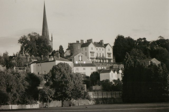 Ross on Wye: The Royal Hotel and St Mary's church