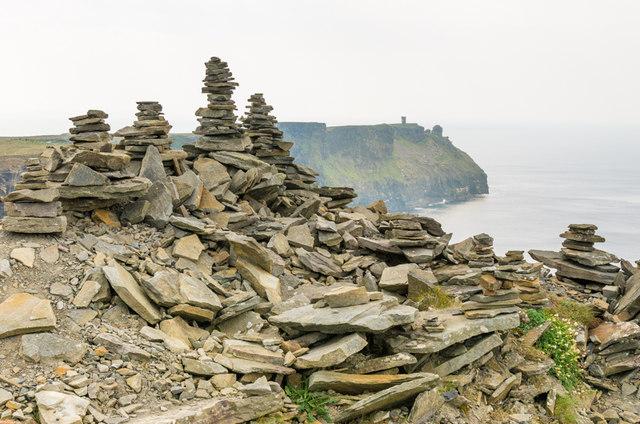 Cairns, Cliffs of Moher
