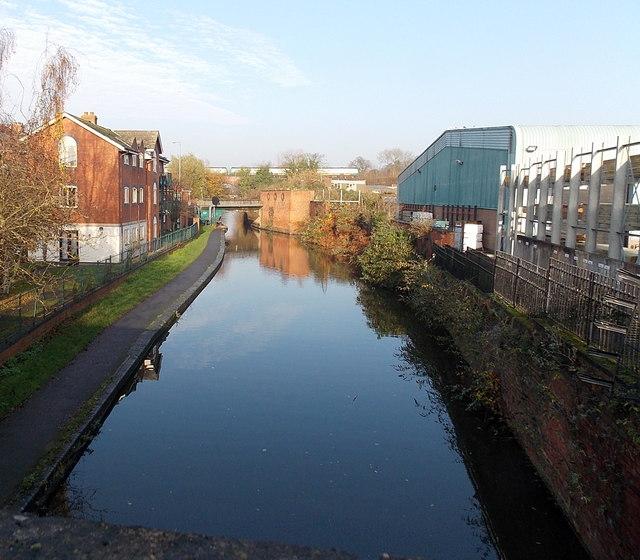 Canal between two bridges in Worcester