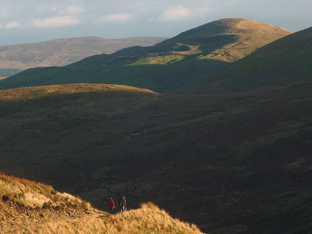 Walkers on the higher track, Langden Valley