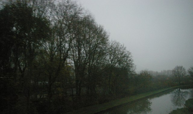 Crossing the Grand Union Canal, Long Buckby