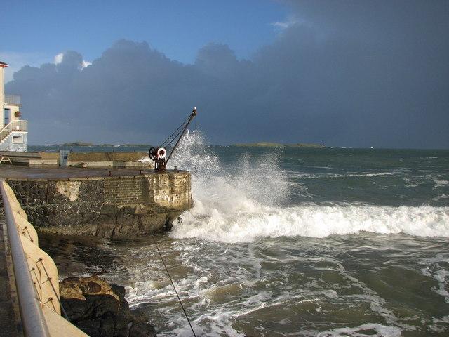 Breaking waves Portrush