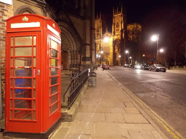 York: telephone box in Duncombe Place