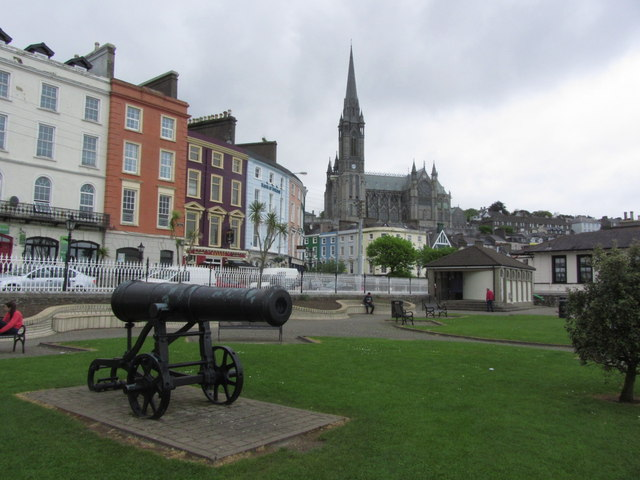 Cobh - Town centre & view to St Colman's Cathedral