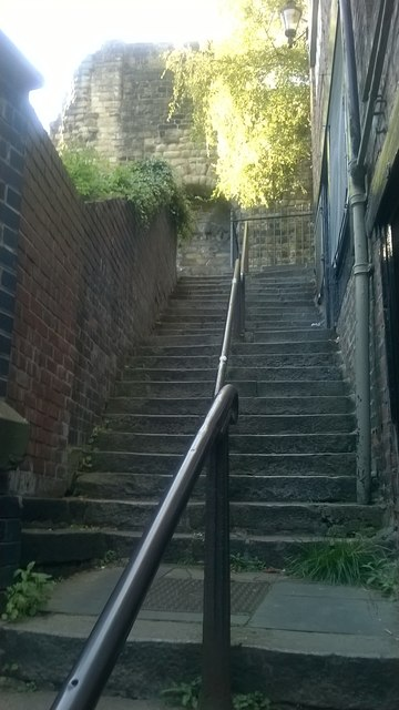 Newcastle-upon-Tyne: steps from the river up to the castle
