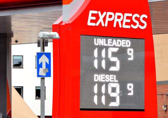 Fuel price sign, Belfast (14 December 2014)