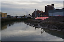 TA1031 : River defence work on the River Hull by Ian S