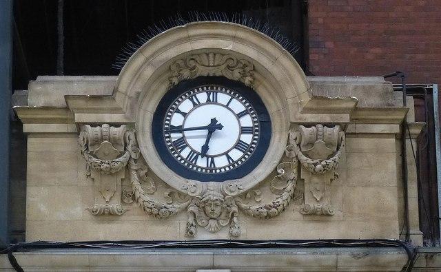 Station clock, Victoria