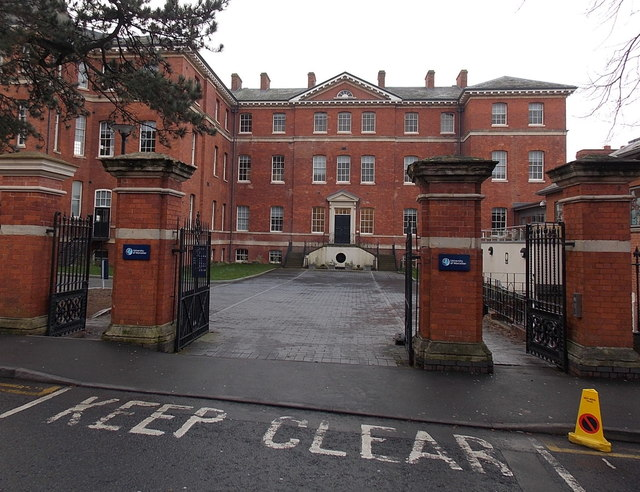 Infirmary Walk entrance to the University of Worcester City Campus