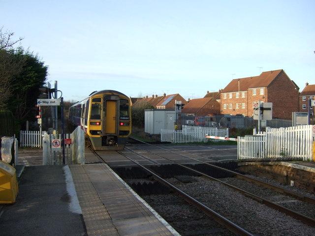 Level crossing near Nafferton Railway Station