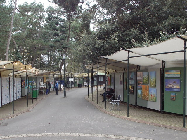Bournemouth: Pine Walk art gallery