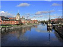 SK7954 : Newark on Trent - The R Trent, N of Trent Bridge by Colin Park
