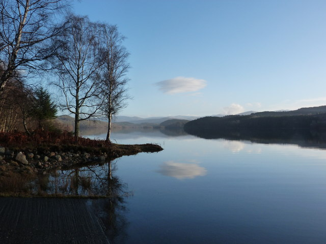 Loch Garry near Allt a' Bhiora, looking East