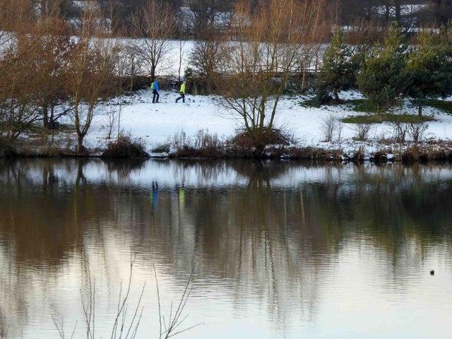 Winter walk around Elsecar reservoir