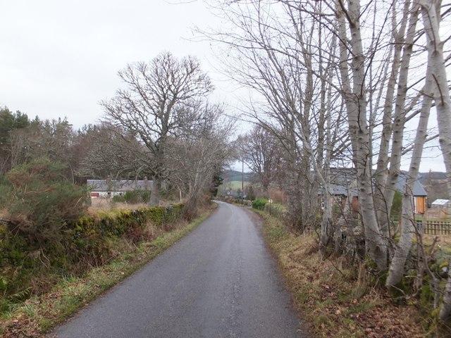 Minor road at Muir of Fairburn