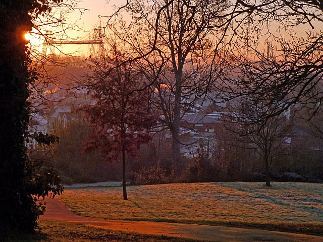A frosty sunrise in Belle Vue Park