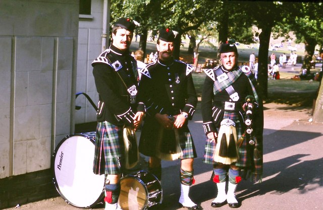 Performers at the Ross Bandstand (1982)