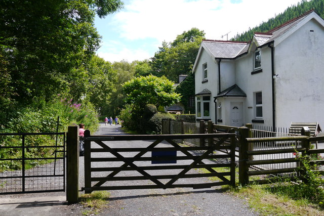 Gate across the Mawddach Trail near Penmaenpool