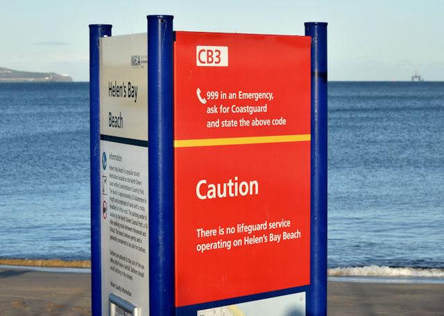 """No lifeguard"" sign, Helen's Bay (January 2015)"