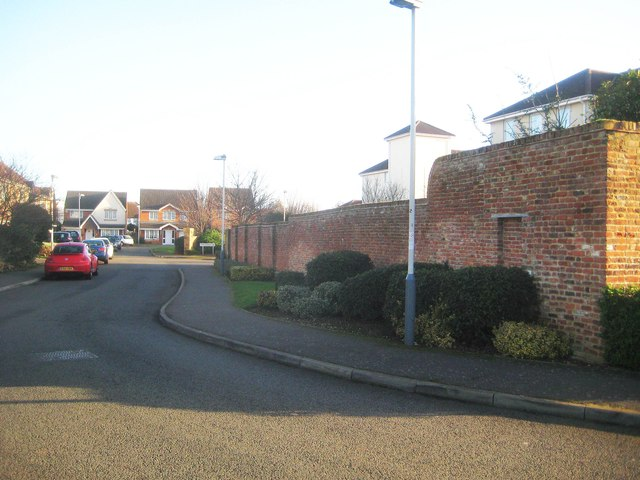 Hillingdon Heath: Former Little London Nursery wall (2)