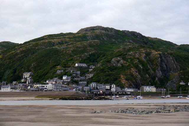 View towards Barmouth from South Bar