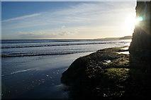 TA0487 : South Bay, Scarborough by Ian S