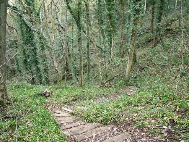 The steep and winding footpath to Foxt