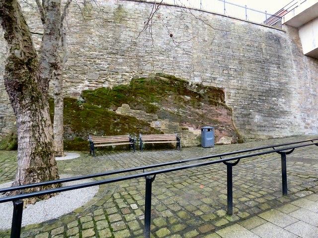 High Bank Side Retaining Wall